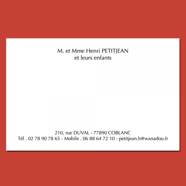 Carte de visite personnelle sur papier blanc